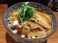 「大盛焼豚醤油らぁ麺」@中華そば こがね屋の写真