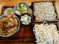 「かき揚げ丼合い盛セット(うどん&そば)950円→500円」@そば処 はせ川の写真