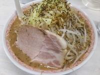 「濃厚ふじ麺(ニンニクなし)+茹で野菜」@景勝軒 伊勢崎宮子町店の写真