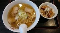 「喜多方ラーメンとミニ炙り焼豚ごはん 830円」@喜多方ラーメン 坂内 金沢文庫店の写真