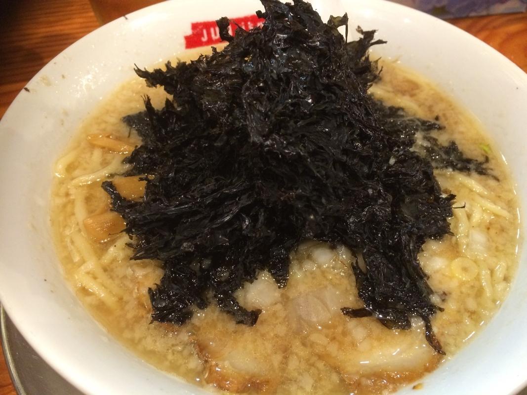 新潟市にある燕三条背脂ラーメン8選!背脂と極太麺が特徴のラーメン