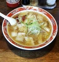 「辛口白菜ラーメン @650円」@餃子と麺 いせのじょうの写真