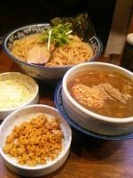 「【限定】カレーつけ麺大盛り+チーズ+辛い挽肉」@中華そば 旋の写真