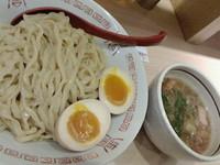 「朝つけ(大盛)+味たま」@麺や 七彩 東京駅の写真