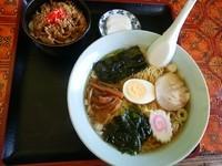 「ラーメンミニ豚丼セット780円」@オニオンの写真