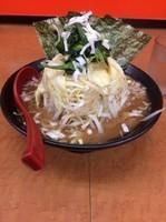 「ドカ盛野菜ラーメン750円」@横浜ラーメン 武蔵家 幡ヶ谷店の写真