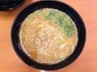 「鶏そぼろ入り西京味噌ラーメン」@スシロー 幕張店の写真
