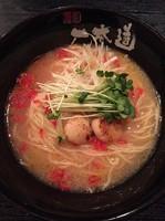 「潮豚骨Wスープラーメン(880円)」@麺匠 一本道の写真
