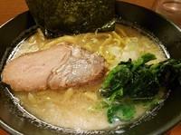 「塩豚骨¥720+玉ねぎ¥0+ライス(小)¥0」@横浜家系らーめん 極楽家の写真