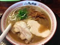 「豚骨ラーメン(カタめ)」@豚骨商店 ゆい六助 上田店の写真