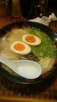 「とんこつラーメン 煮玉子入り」@ラーメン TAIZOの写真