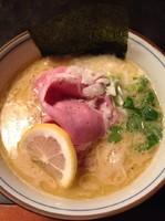 「【気まぐれ】鶏白湯」@中華そば 四つ葉の写真