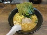 「ラーメン500円 麺硬め 味濃い目」@らーめん 吟太の写真