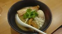 「濃厚煮干し麺+味玉」@麺屋 なか巌 国母店の写真