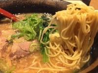 「豚骨醤油らーめん(780円)」@蔵出し味噌らーめん 真剣勝負の写真
