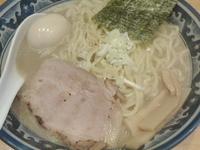 「塩味たまラーメン 大盛り」@○心厨房の写真