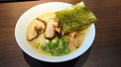 「半チャーシュー麺+替玉 @880+100」@らーめん専門店 小川 昭島店の写真