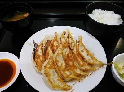 「餃子10ヶ定食¥980」@石松餃子 新東名店の写真