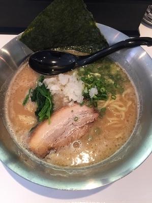 「鶏白湯 700円」@らぁめん初代 OKAWARIの写真