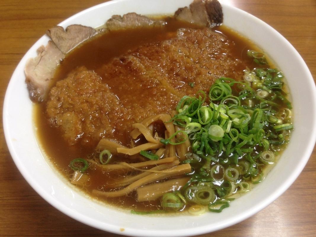 【岡山】地元民から愛されるガッツリ系ご当地B級グルメ「とんかつラーメン」が味わえるお店4選