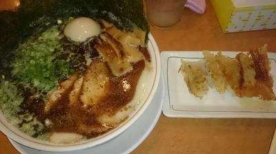 「黒豚骨+小餃子」@つけ麺中華そば 節 本八幡店の写真