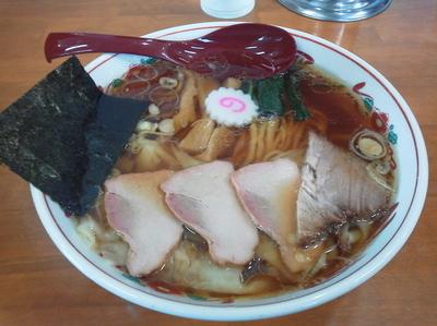 「ワンタン麺」@とら食堂 松戸分店の写真