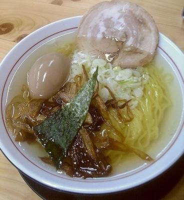 「塩らーめん(銀座味)+味玉」@らーめん勇の写真