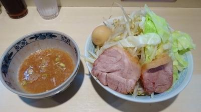 「塩つけめん(800円)+味付玉子(100円)野菜多め」@らーめん 陸 尾山台店の写真