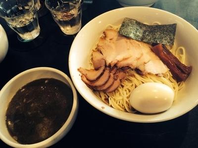 「特濃にぼし ちゃーしゅーつけ麺 味玉 1300円」@ニボコテの写真