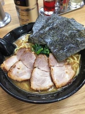 「チャーシュー麺大盛、硬め濃いめ」@らーめん せい家 経堂店の写真