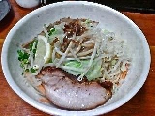 「拌麺 (醤油/¥650) & 温野菜 (¥100)」@麺食堂 一真亭の写真