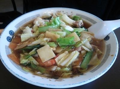「什景湯麺・ウマニソバ (750円)」@東華飯店の写真