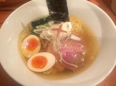 「味玉塩そば・平打ち麺(950円)」@饗 くろ㐂の写真