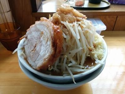 「らーめん 750円(野菜まし、にんにく・油少し)」@麺処TANAKAの写真