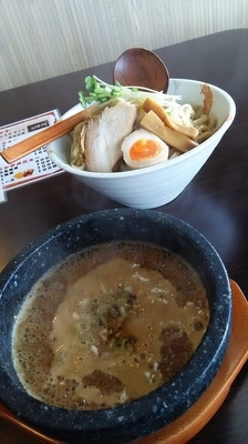 「石焼魚介豚骨つけ麺(300g)」@MOUKOKUの写真