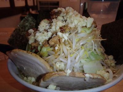 「赤みそらー麺(700円)麺増し(100円)野菜増し他」@麺屋 愛0028の写真
