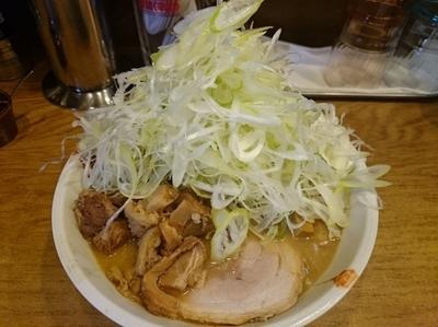 「みそラーメン¥800+ネギ盛り¥100×2+へた肉¥50」@麺処 慶の写真