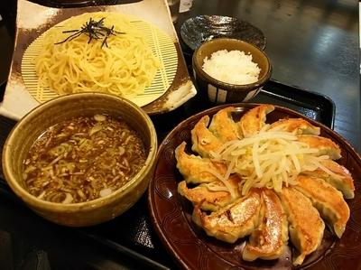 「浜松餃子と濃厚つけ麺のセット ※ライス少な目」@五味八珍 メイワン店の写真