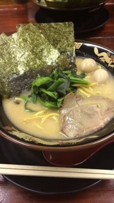 「濃厚豚骨醤油ラーメン」@横濱家系ラーメン 神山 府大前店の写真