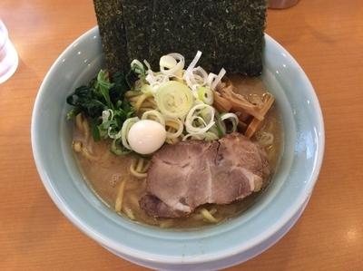 「豚骨醤油ラーメン」@横浜家系ラーメン 清六家 総本山の写真
