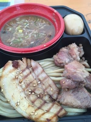 「王道の濃厚豚骨魚介+特製全部のせ¥300 [中華蕎麦 とみ田」@大つけ麺博プレゼンツ つけ麺VSラーメンの写真