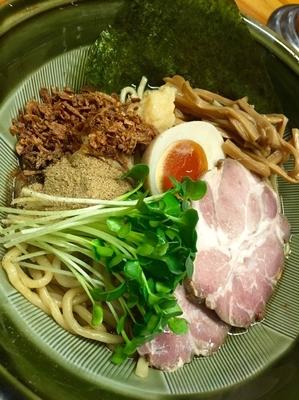 「【夜の部】まぜそば(魚粉Ver.)¥700」@あぢとみ食堂の写真