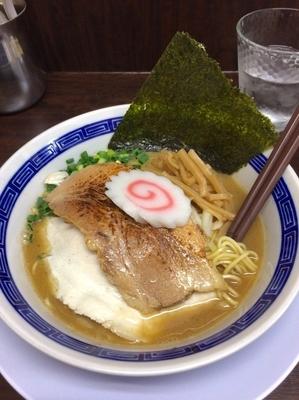 「ナイトゲリラー汁 濃厚鶏煮干し 860円」@丸直の写真