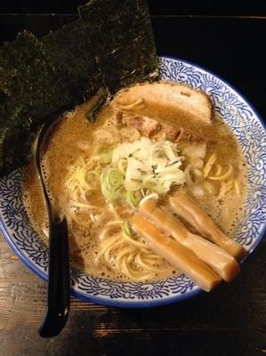 「中華そば(煮干、細麺) 和え玉ニボカレー のり(クーポン)」@狼煙 〜NOROSHI〜の写真