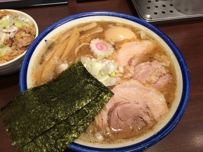 「特製中華そば¥1000サービスで中盛りに 肉飯¥250」@つけめん 玉の写真