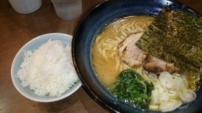 「しょうゆラーメン中盛+ライス」@しょうゆのおがわや 橋本店の写真