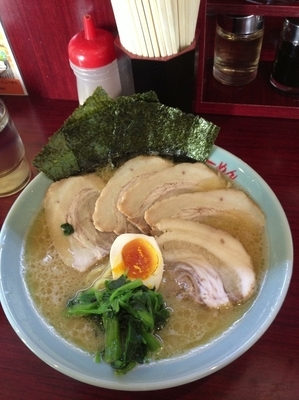 「チャーシュー麺、硬め濃いめ」@横浜らーめん いちばん家の写真