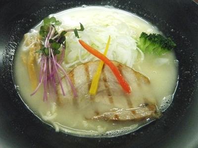 「鶏白湯ラーメン750円」@麺厨房 武蔵の写真