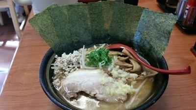 「味噌らーめん+海苔+ライス+麦酒」@らーめん 味噌ガッツ お花茶屋店の写真