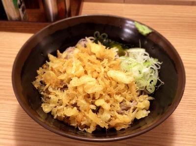「冷やしたぬき(400円)」@立食蕎麦処 おか田の写真